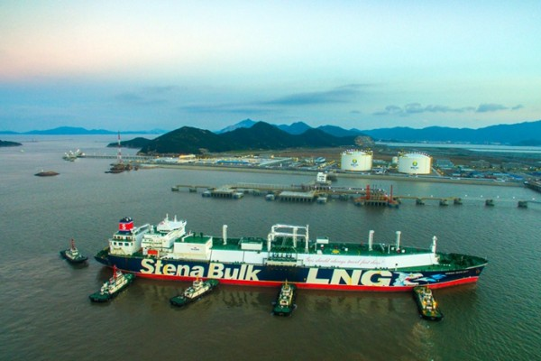 Zhoushan builds hub for river-ocean cargo